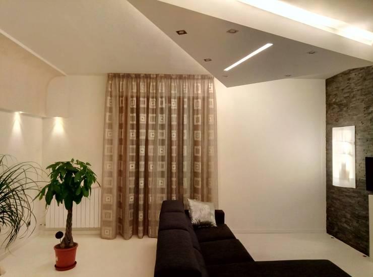 Minimalist living room by Luca Alitini Minimalist Bricks