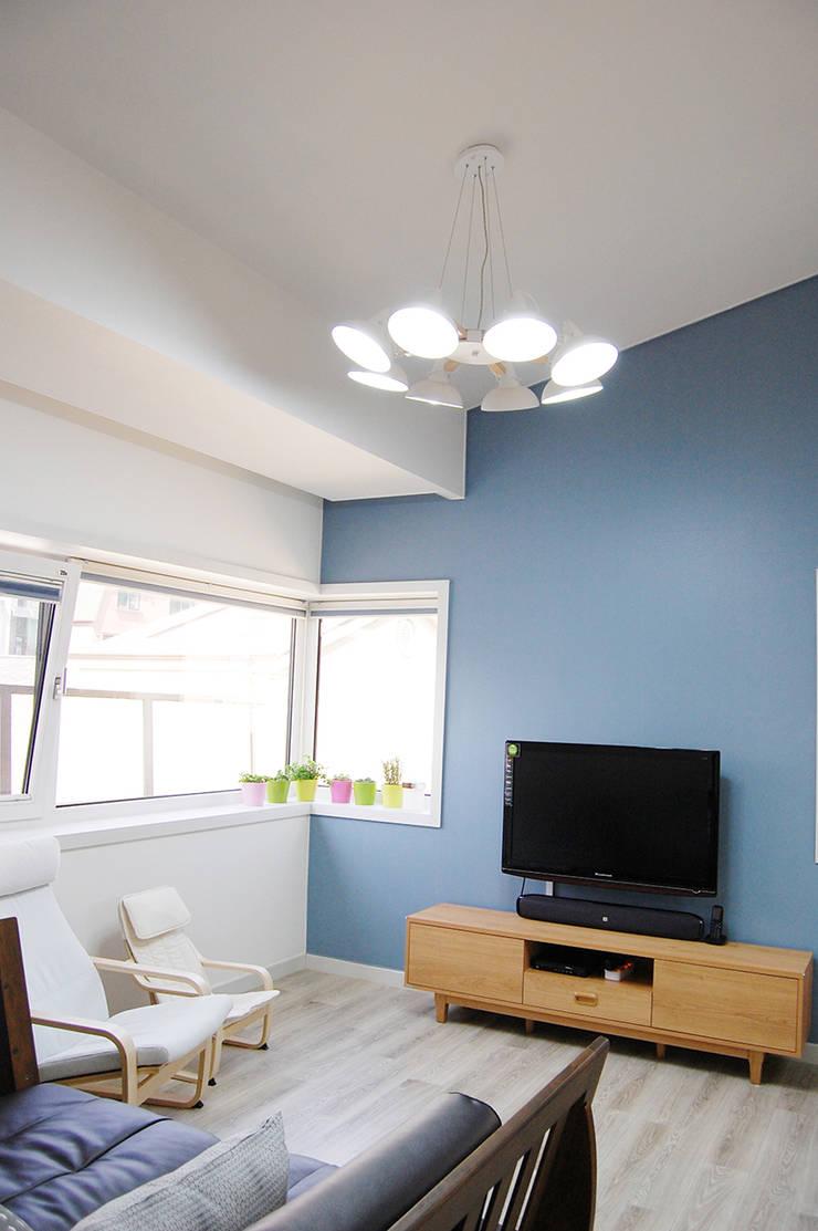 다담하우스_부천시 소사구 범박동 207-6 다가구주택: AAG architecten의  방