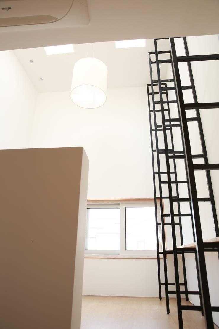 유유자적: AAPA건축사사무소의  베란다