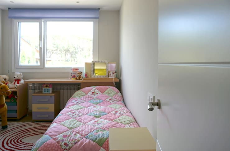 Habitaciones infantiles de estilo  por Casas Cube