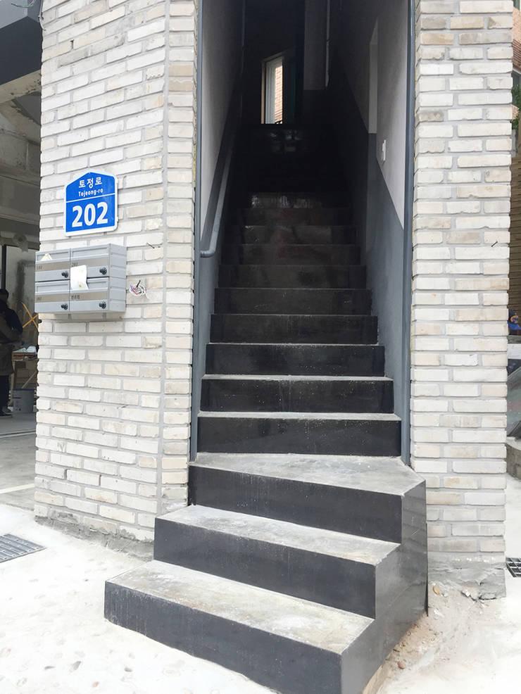 MAISON.: AAPA건축사사무소의  ,