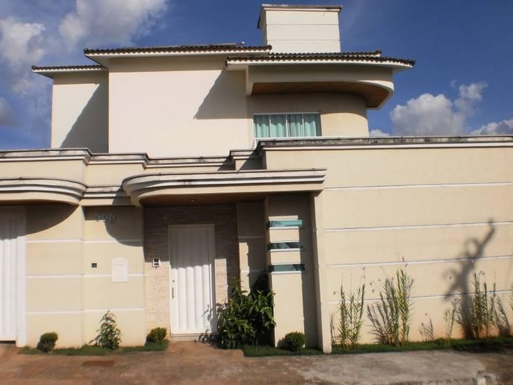 Casas de estilo  por Econs Arquitetura e Engenharia