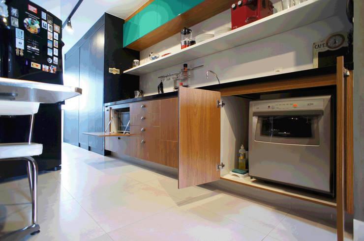 Cocinas de estilo  por Lelalo - arquitetura e design