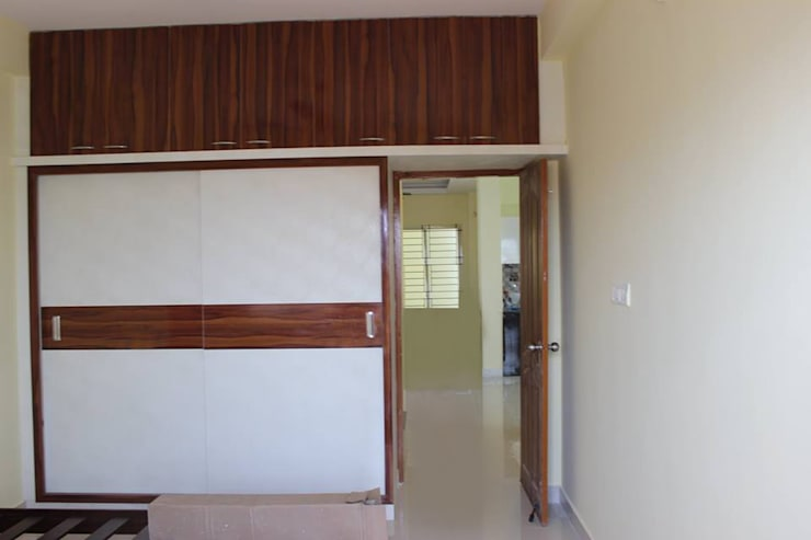 Wooden Wardrobe Online India: asian Bedroom by Scale Inch Pvt. Ltd.