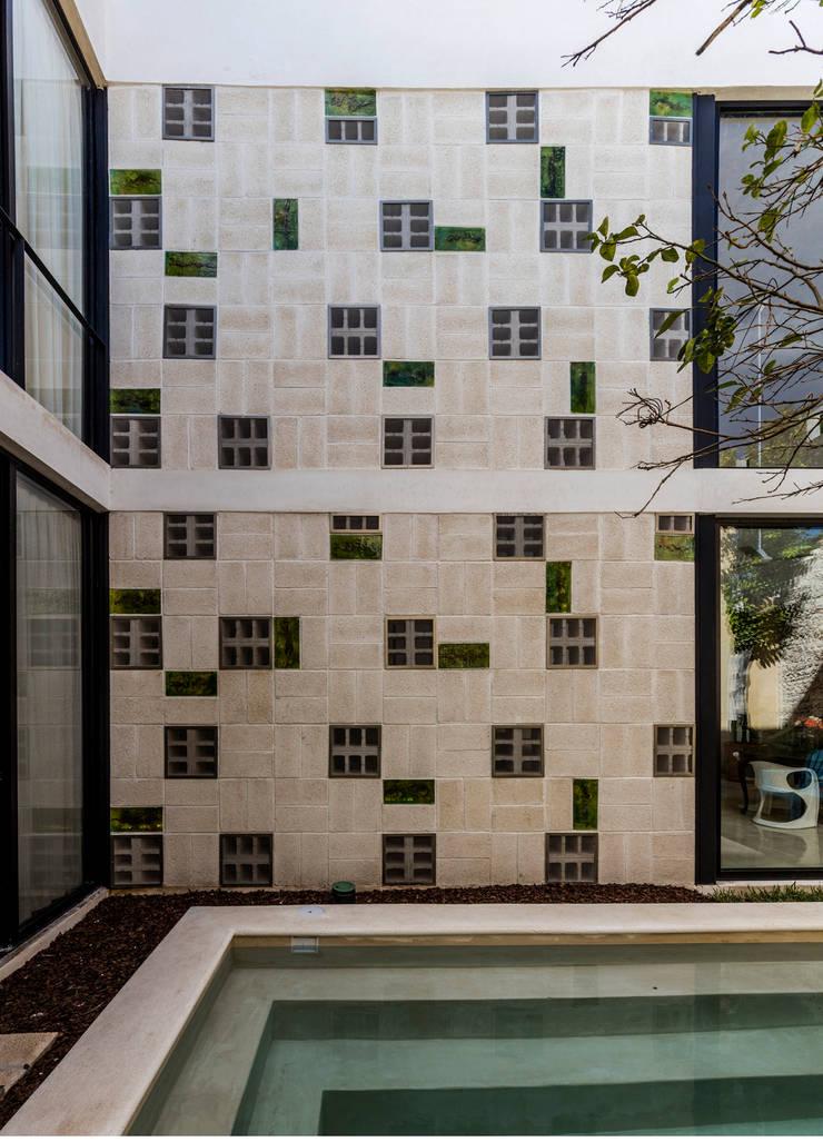 Taller Estilo Arquitectura의  벽 & 바닥,