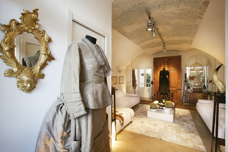 Livings de estilo mediterraneo por Daniele Franzoni Interior Designer - Architetto d'Interni