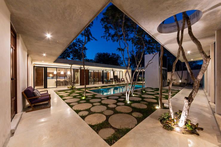 : Terrazas de estilo  por Taller Estilo Arquitectura