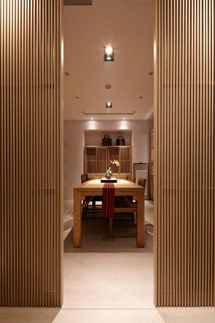 日茗:  商業空間 by 耀昀創意設計有限公司/Alfonso Ideas