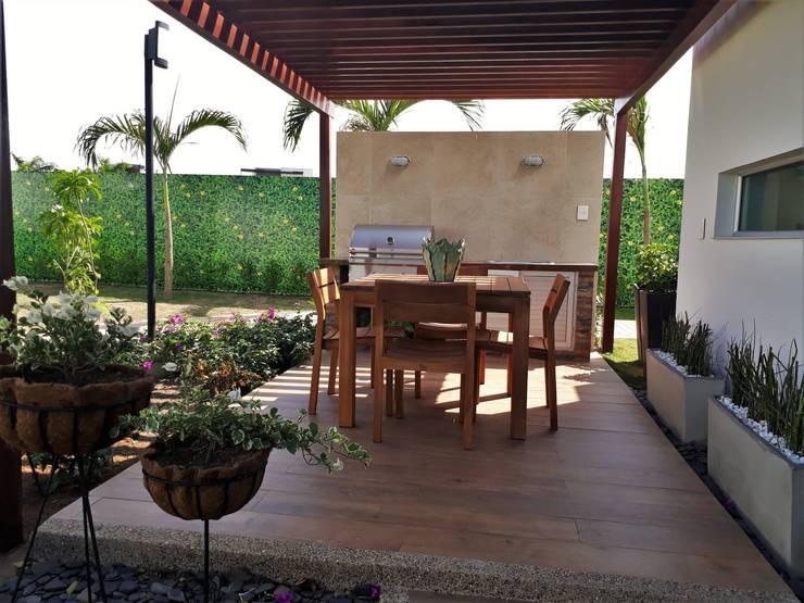Casa modelo Cerdeña - Novaterra Ocean City: Jardines de estilo  por ecoexteriores