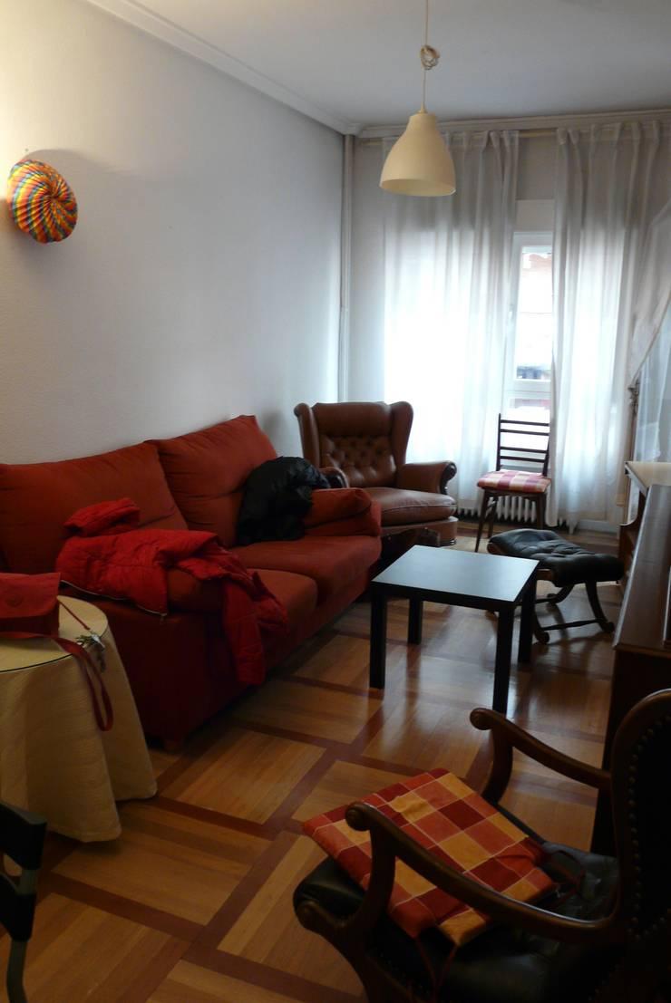 Salón antes:  de estilo  de Lúmina Home Staging