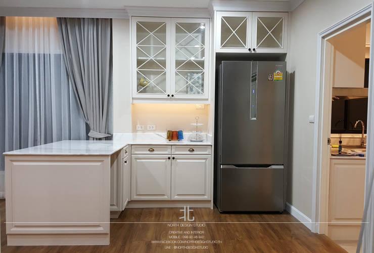 ภาพผลงานจริง พื้นที่เตรียมอาหาร:  ห้องครัว by เหนือ ดีไซน์ สตูดิโอ (North Design Studio)