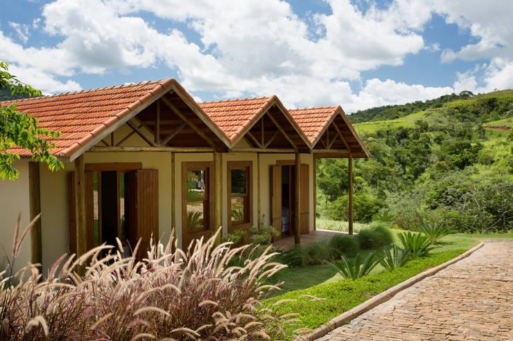Maisons de style  par Gisele Taranto Arquitetura