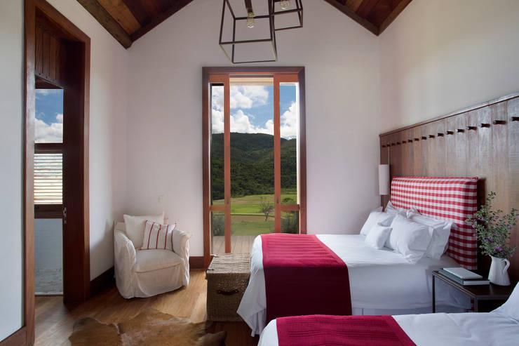 Schlafzimmer von Gisele Taranto Arquitetura