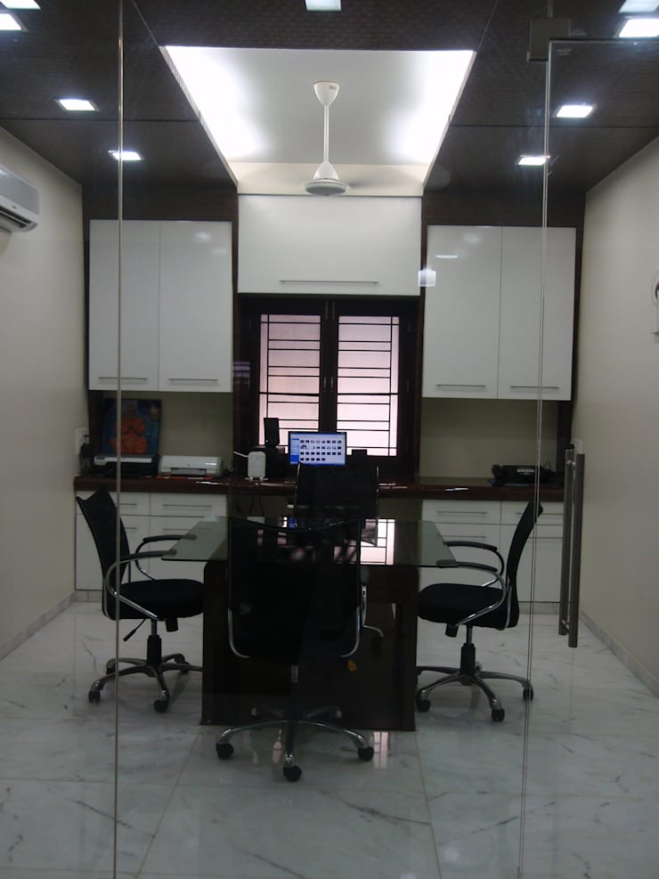 Home office for VIP clients..:  Media room by Sahana's Creations Architects and Interior Designers,Minimalist Solid Wood Multicolored