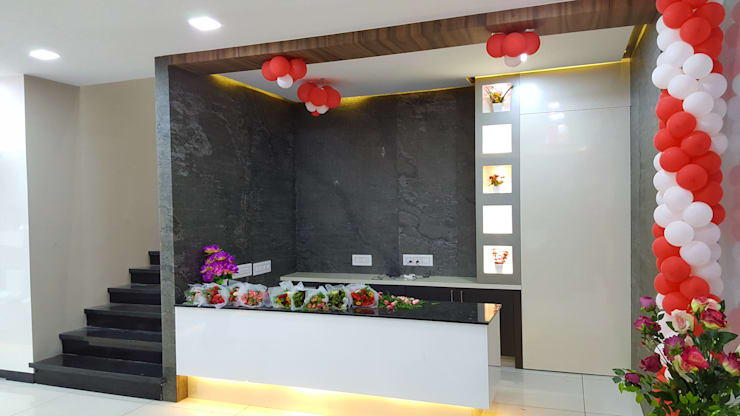 reception desk:  Commercial Spaces by Sahana's Creations Architects and Interior Designers,Modern