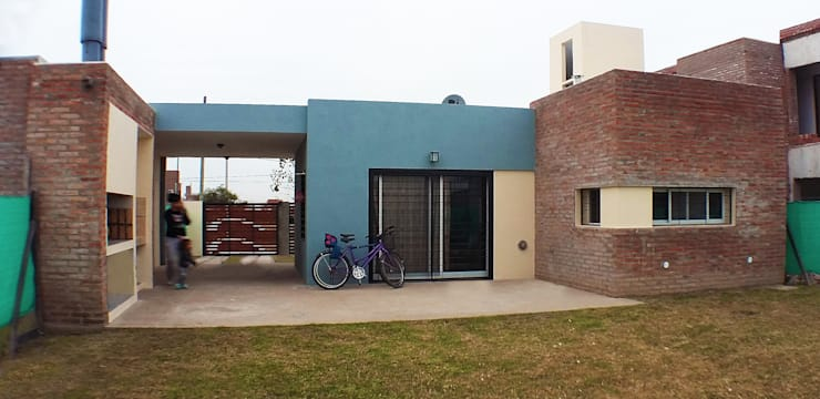 Casa Tierra de Sueños 3: Casas de estilo  por ELVARQUITECTOS