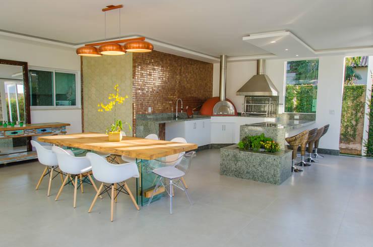 Casa Contemporânea: Cozinhas  por Escritório 238 Arquitetura