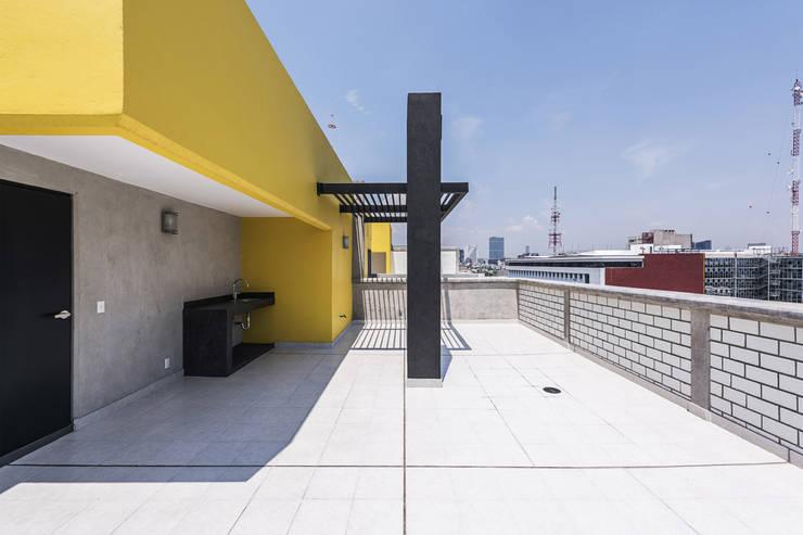 Desarrollo Dr. Vértiz : Terrazas de estilo  por ARCO Arquitectura Contemporánea