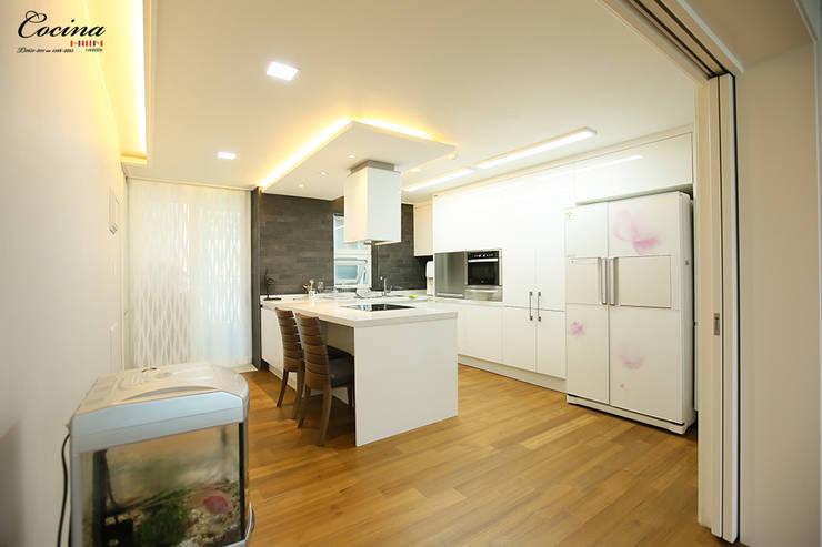 서울 서초구 잠원동 롯데캐슬 2단지 아파트: cocina의  주방,
