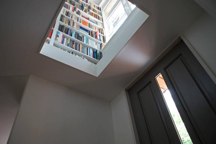 Koridor dan lorong by studio architecture