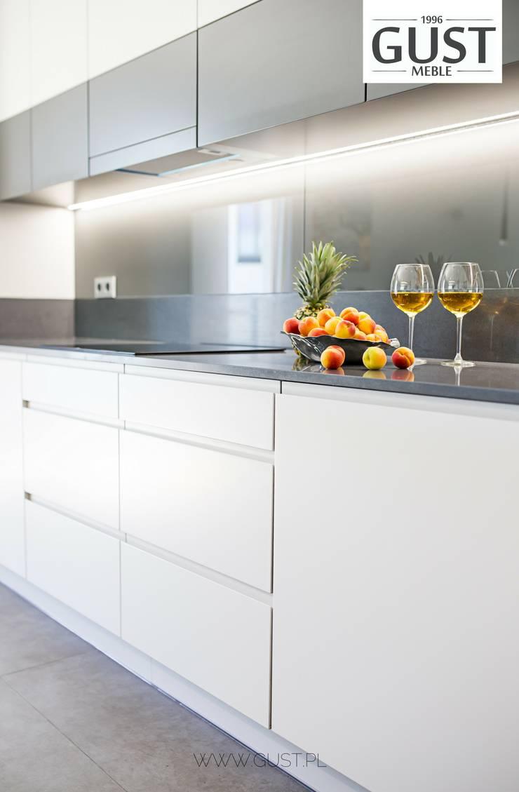Dapur Modern Oleh GUST MEBLE Modern MDF