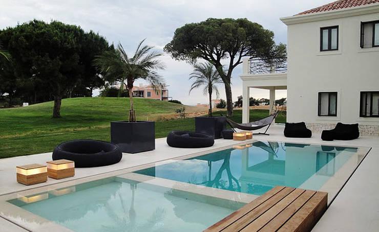 Vakantiewoning Portugal:  Zwembad door design iD