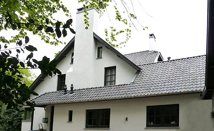 Woonhuis het Gooi:  Huizen door design iD, Landelijk