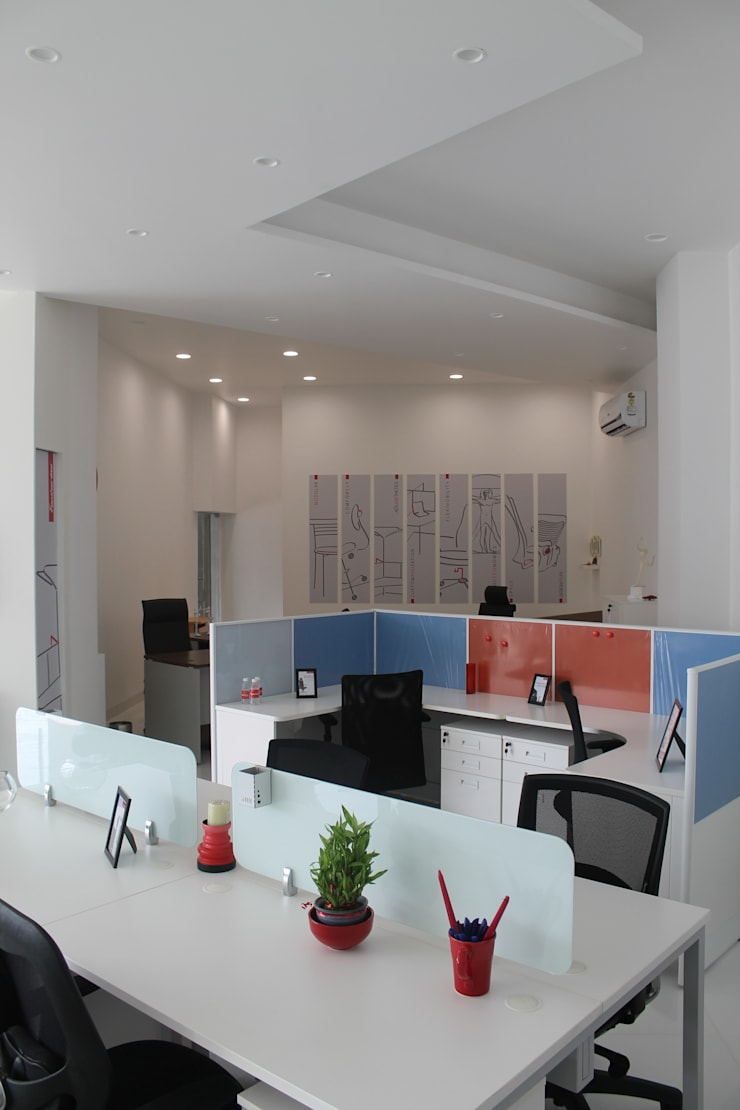 Featherlite Retail Store:  Offices & stores by Vedasri Siddamsetty,Minimalist