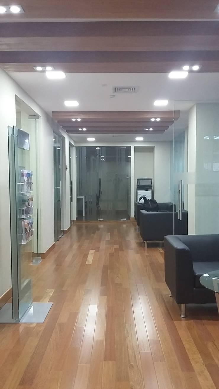 Inspección Técnica Proyecto Banco de Chile, Iquique.:  de estilo  por Gerardo Cervellino EIRL