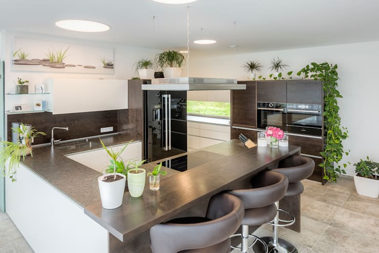 modern Kitchen by Horst Steiner Innenarchitektur