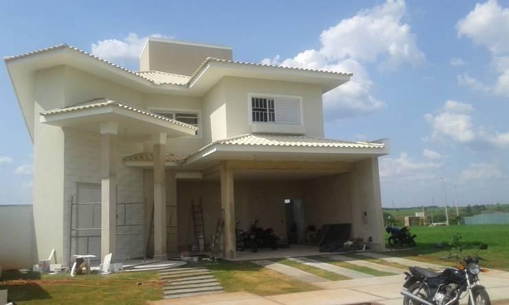 casa clássica:   por Renata Prata Studio