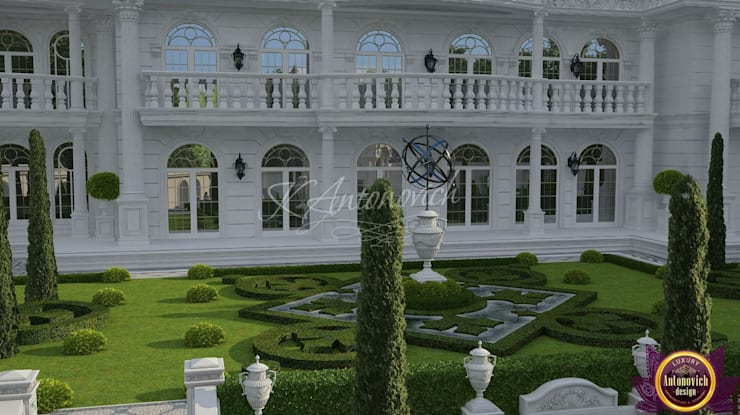 ​  Landscape design by Katrina Antonovich:  Houses by Luxury Antonovich Design, Classic