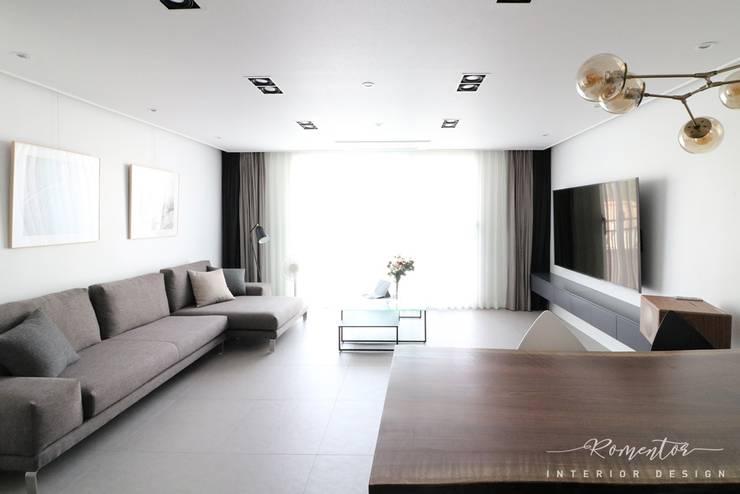 천안 타운하우스 캐슬카운티 by 로멘토디자인: 로멘토디자인의