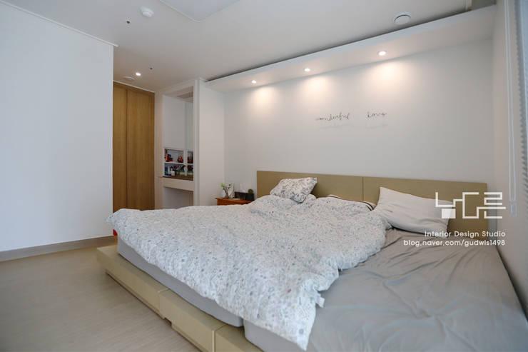modern Bedroom by 남다른디자인