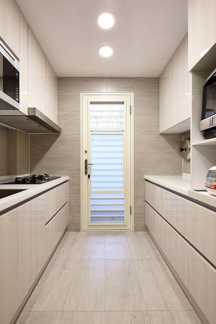 infinite end 無限牆面:  廚房 by 耀昀創意設計有限公司/Alfonso Ideas