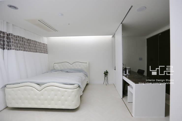 Schlafzimmer von 남다른디자인