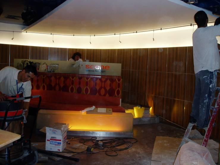 eclectic  by JMS DISEÑO DE INTERIORES MUEBLES Y CONSTRUCCION , Eclectic Engineered Wood Transparent