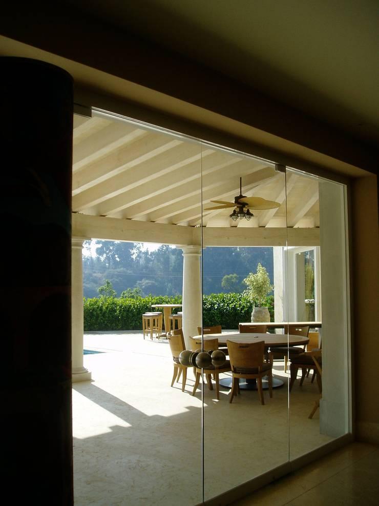 modern  by JMS DISEÑO DE INTERIORES MUEBLES Y CONSTRUCCION , Modern Engineered Wood Transparent