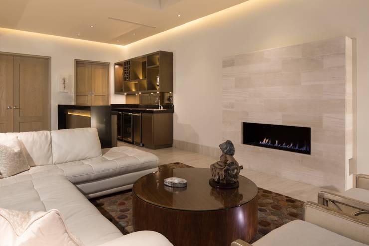 Livings de estilo moderno por Rousseau Arquitectos