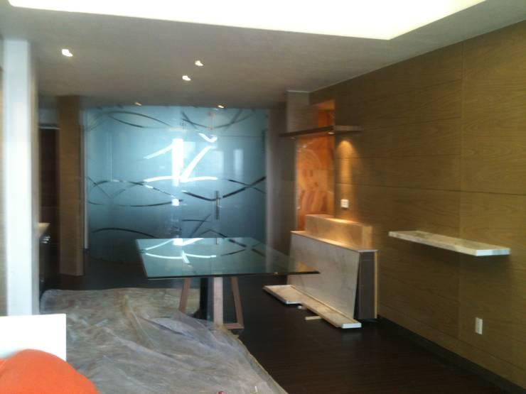 Living room by JMS DISEÑO DE INTERIORES MUEBLES Y CONSTRUCCION , Modern Quartz