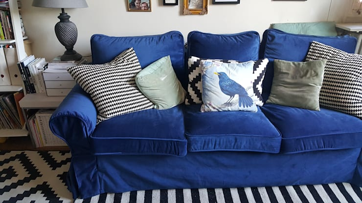 Replacement slipcovers: IKEA Ektorp Sofabed with blue velvet covers: eclectic Living room by Comfort Works Custom Slipcovers