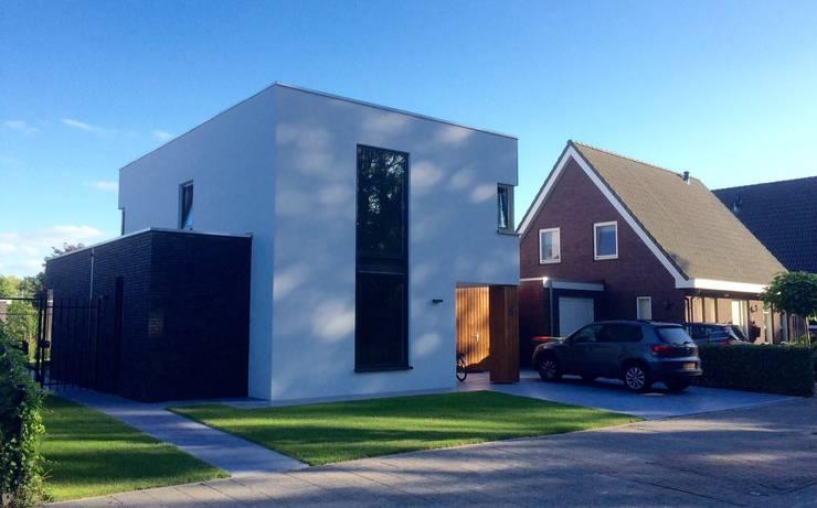 Voorgevel:  Huizen door Nico Dekker Ontwerp & Bouwkunde, Modern Glas
