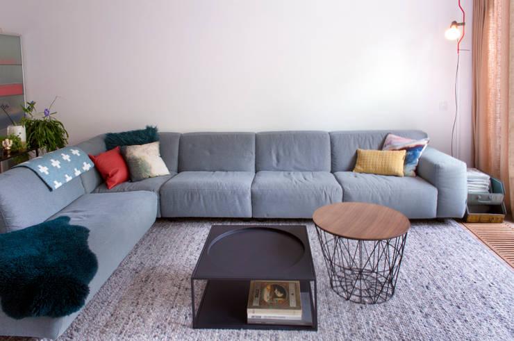 zitgedeelte met loungebank:  Woonkamer door IJzersterk interieurontwerp