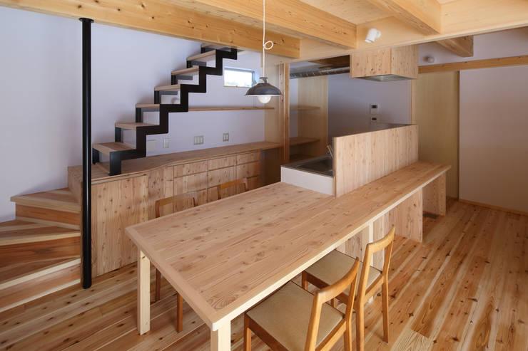 餐廳 by 芦田成人建築設計事務所