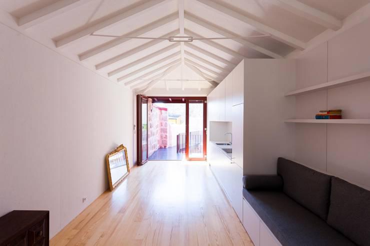 Projekty,  Kuchnia zaprojektowane przez Clínica de Arquitectura