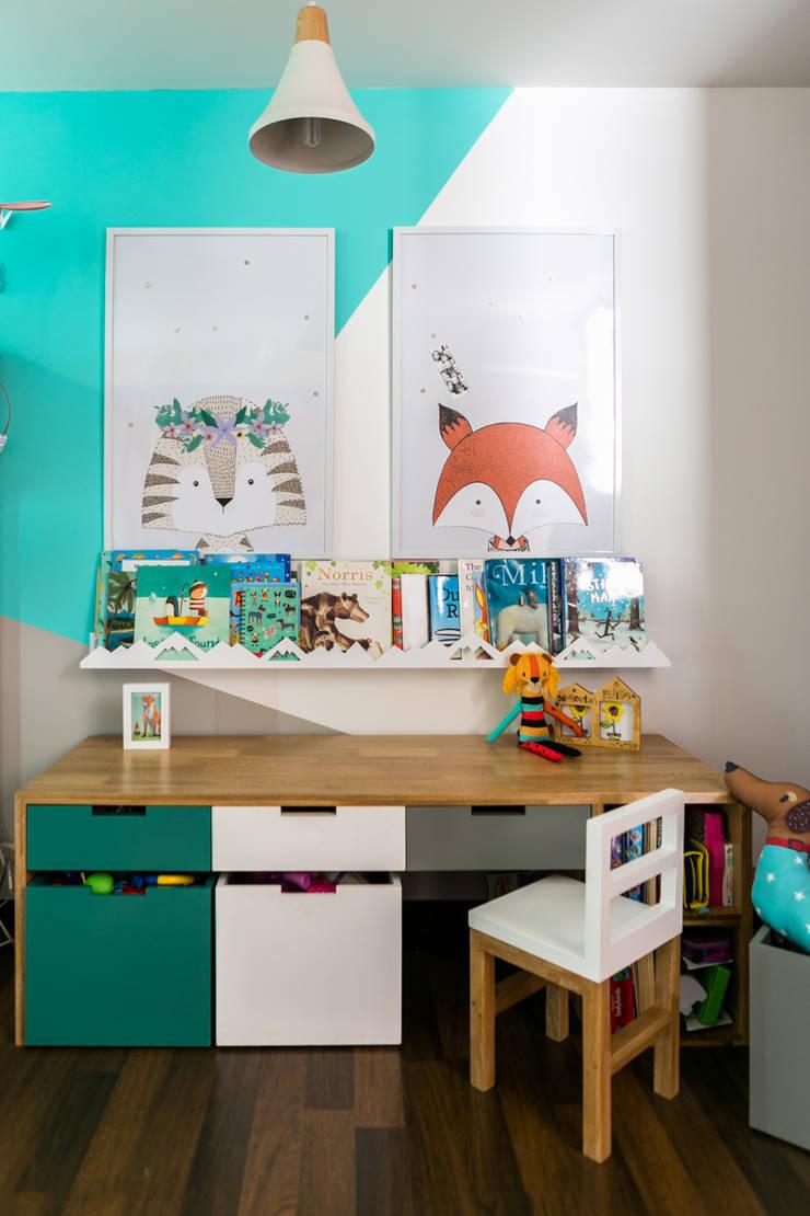 Nursery/kid's room by Little One, Modern