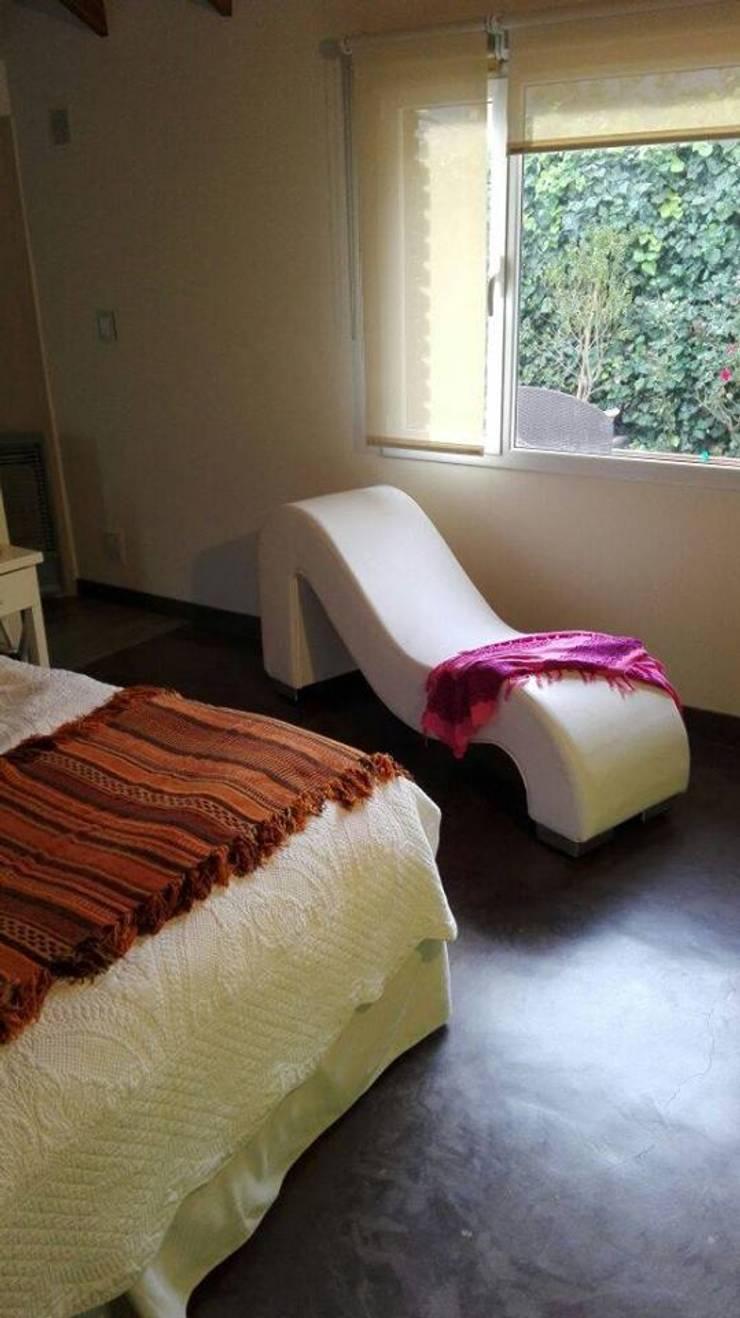 Decoración de interiores: Dormitorios de estilo  por KOA DISEÑOS,