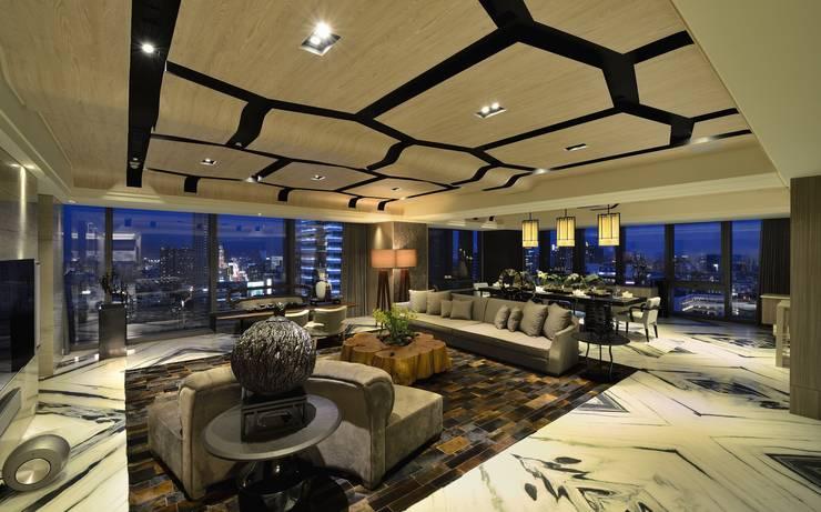 Living room by POSAMO十邑設計