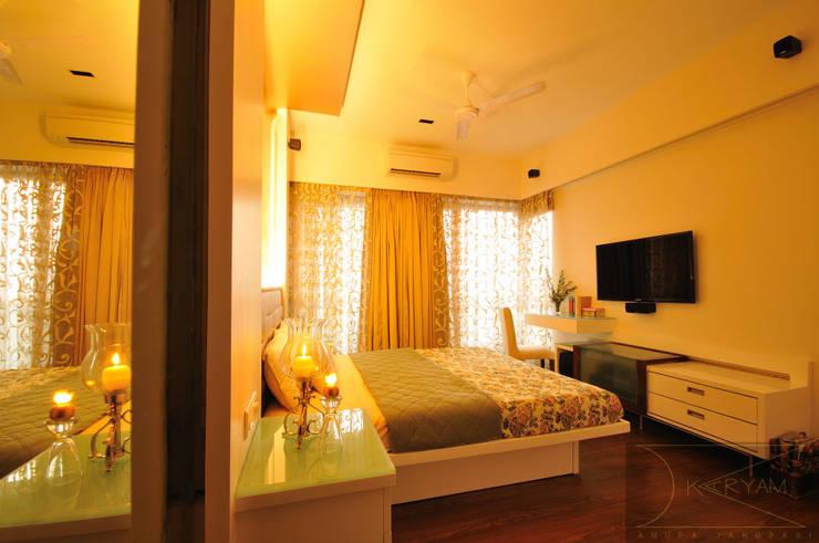 sewri residence:  Bedroom by Karyam Designs