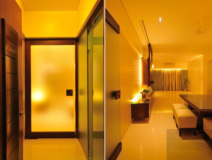 sewri residence:  Living room by Karyam Designs